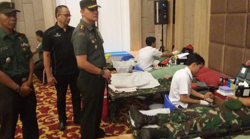 Puluhan Prajurit TNI &  Persit Lakukan Donor Darah