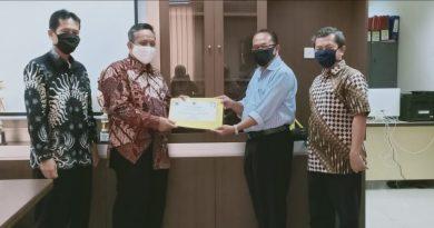Endang Wahyudi Raih Juara 1 Kepsek Berprestasi Tingkat SD Kota Depok